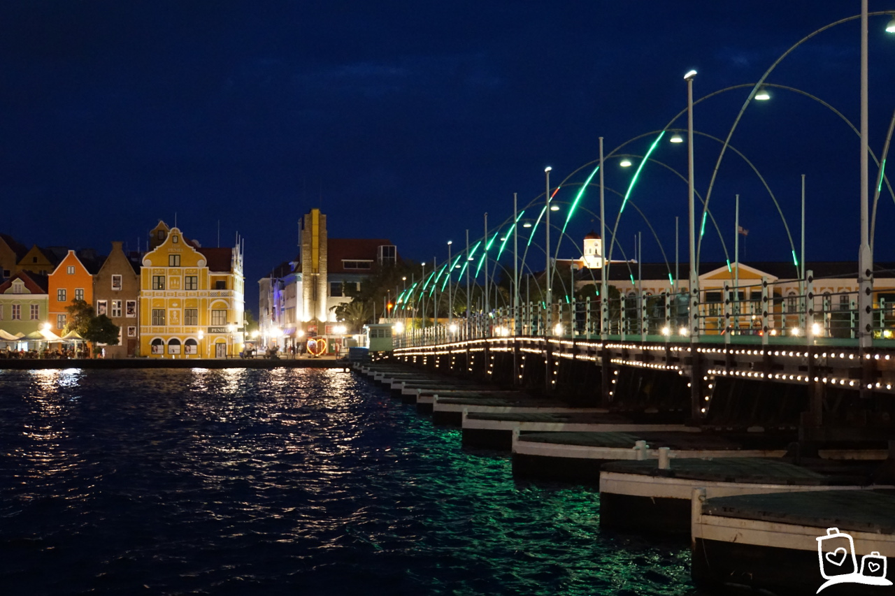 Curacao Willemstad By Night Emmabrug