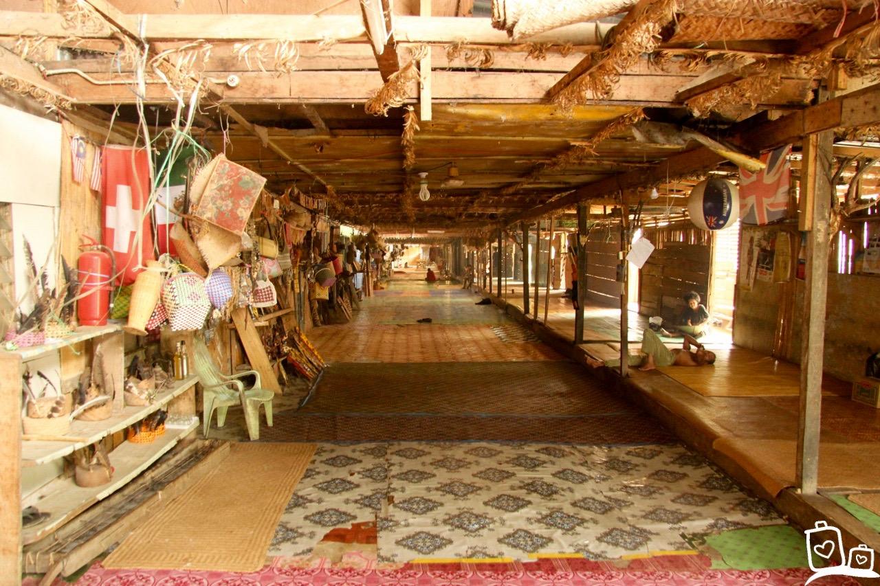 Maleisie-Borneo-BatangAi-Longhouse-Iban