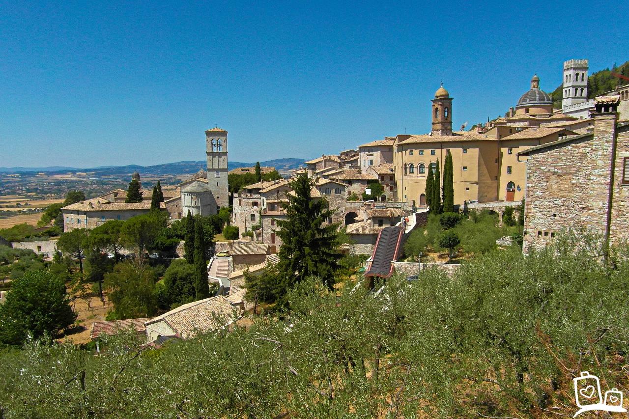Italie-middeleeuws-dorp-Asissi