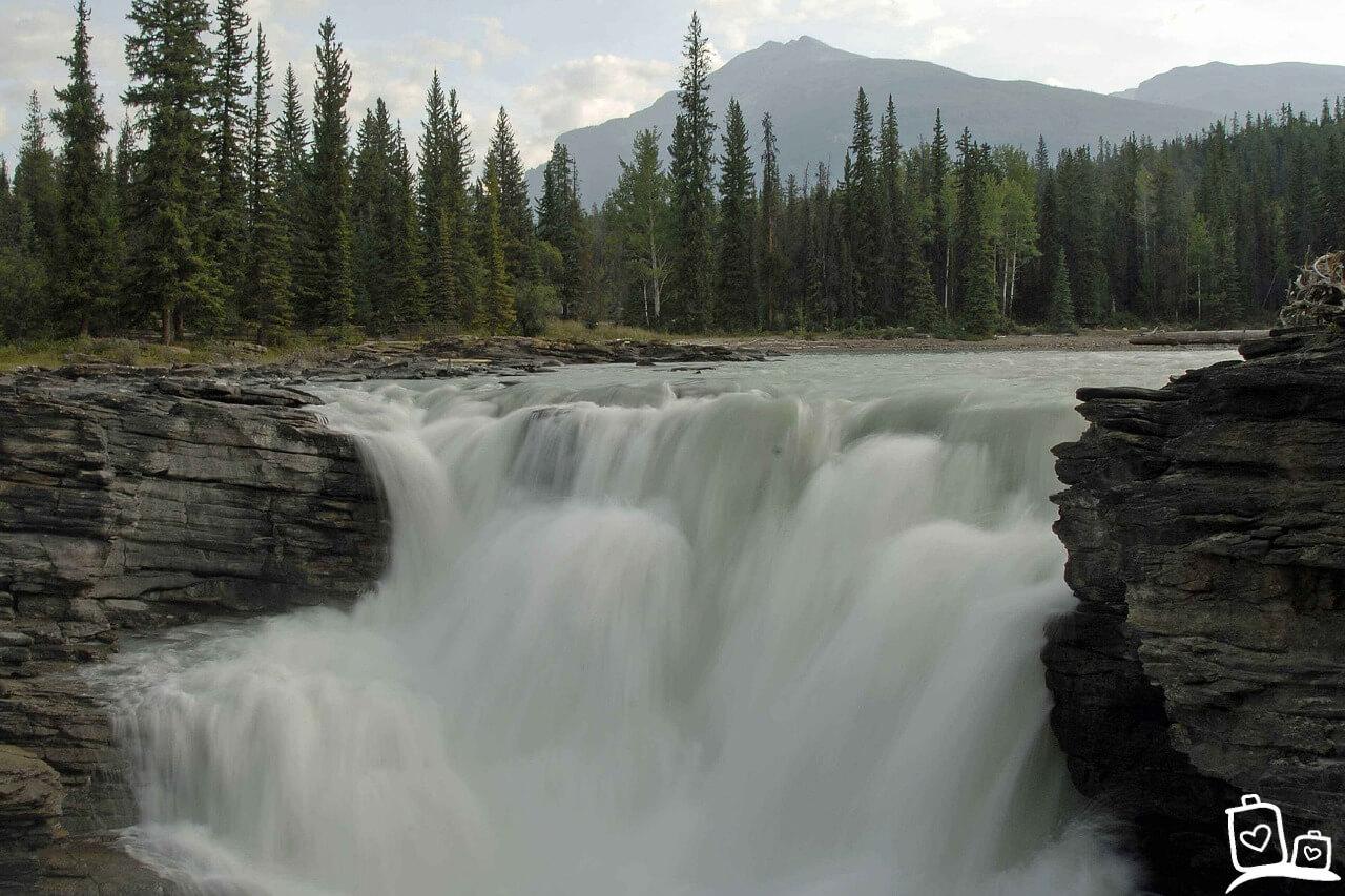 Canada-Athabasca-falls